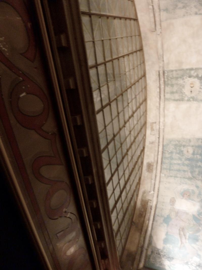Théatre Corona entryway foyer