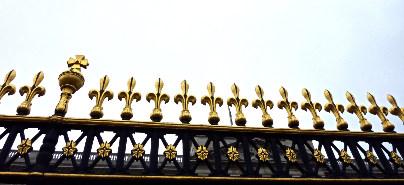 Gate ornaments, spikes at Buckingham Palace