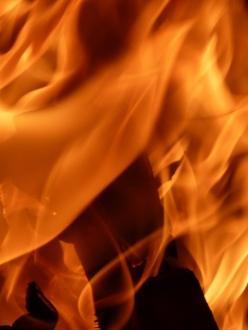 Close up on bonfire